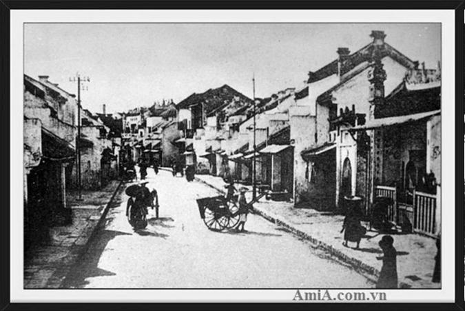 Tranh phố Hàng Ngang giúp khách có thể hình dung về 1 Hà Nội xưa rất tranh