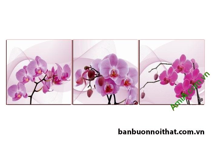 Lựa chọn mẫu tranh hoa lan tím cho phòng khách nhỏ