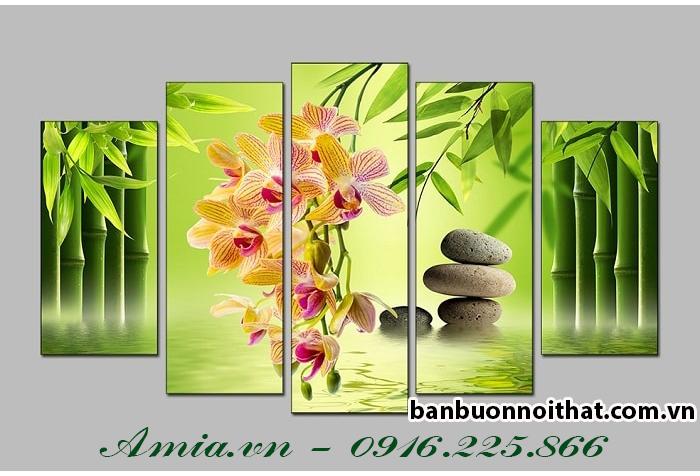 Tranh hoa lan vàng phú quý là mẫu tranh hoa lan bán chạy nhất tại Amia