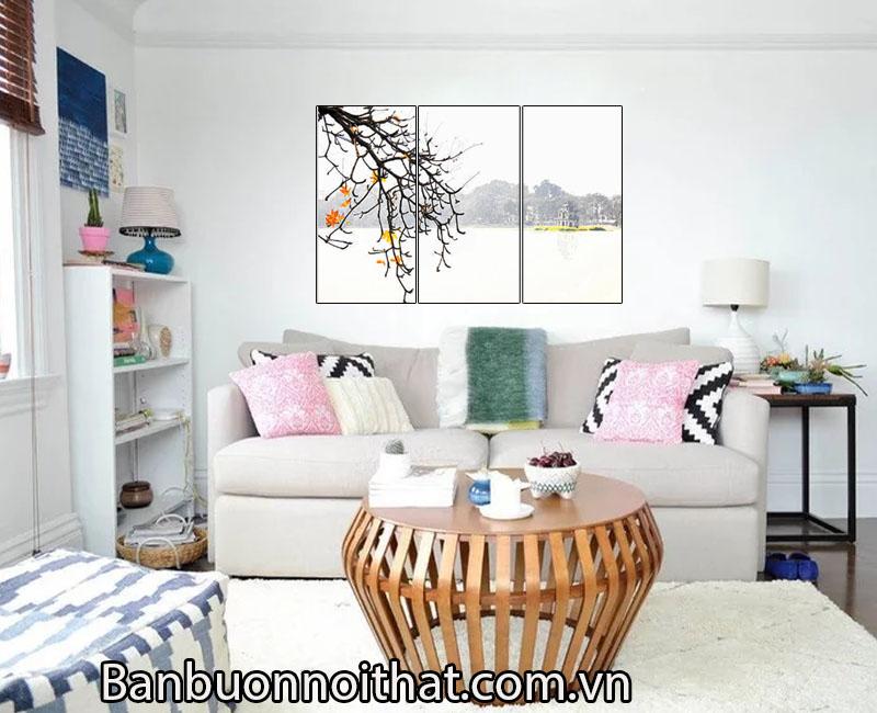 Cô nàng mộng mơ hơn với góc phòng khách trang trí tranh mùa thu Hà Nội