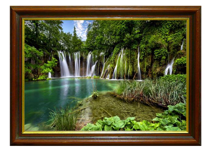 Tranh thác nước màu xanh giúp không gian của bạn trwor lên xanh mát và dễ thở