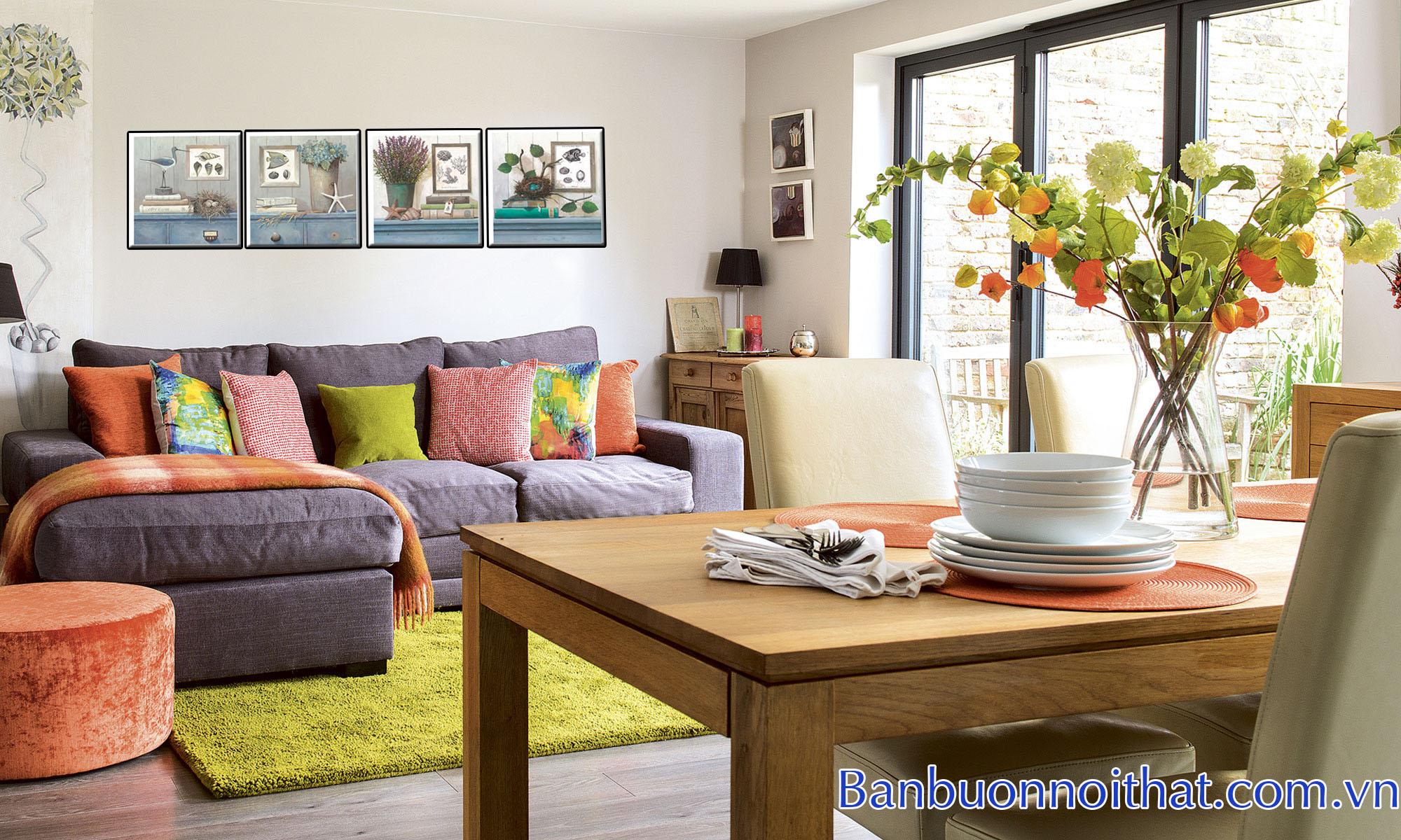 Tranh Vintage tạo điểm nhấn cho phòng khách nhiều màu sắc