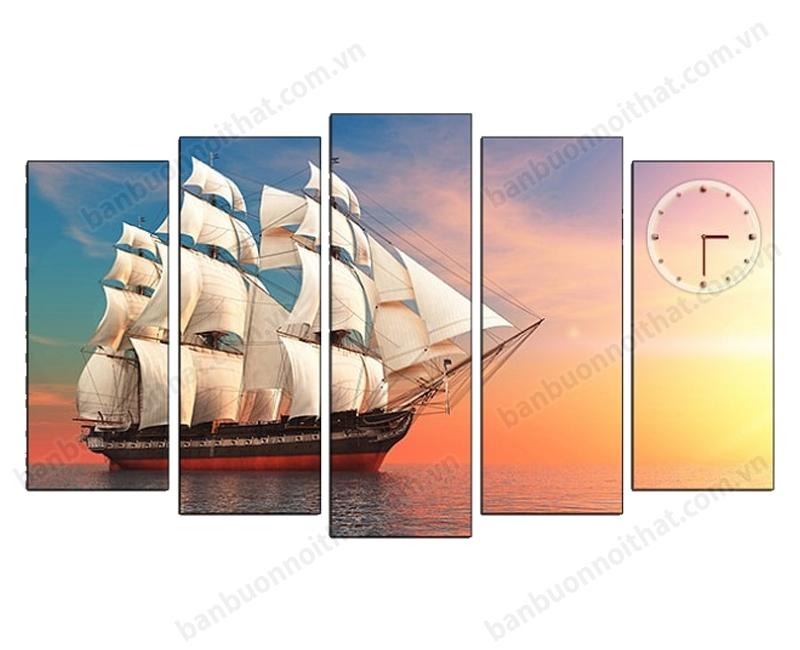 Mẫu tranh 5 tấm đồng hồ phong cảnh thuyền buồm trang trí phòng khách