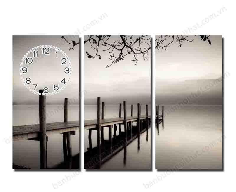 Một buổi sáng trên hồ như tĩnh lặng hơn, lãng mạn hơn với phông màu đen trắng
