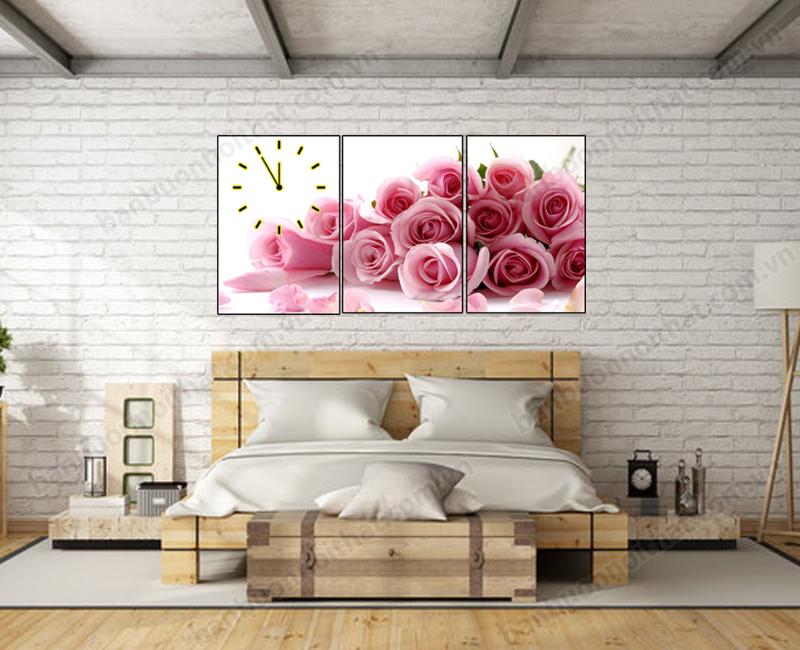 Một mẫu tranh đồng hồ hoa hồng trang trí đầu giường ngủ