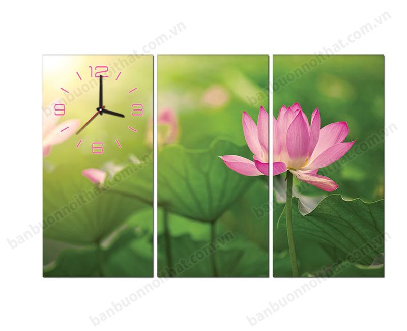 Mẫu tranh đồng hồ ghép 3 tấm hoa sen trang trí phòng có ban thờ