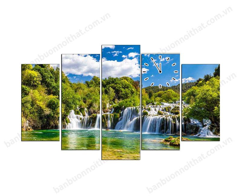 Tranh đồng hồ thác nước phong thủy bản giốc không chỉ trang trí mà còn làm tăng lòng tự hào về vẻ đẹp Việt nam