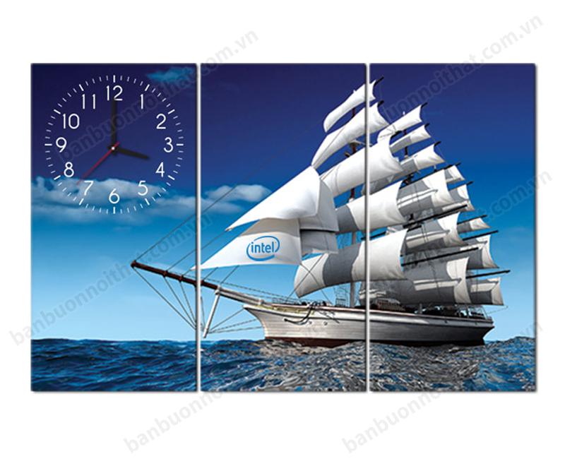 Tranh thuận buồm xuôi gió là mẫu tranh đồng hồ chọn làm quà tặng đối tác trị giá 500 nghì được ưu thích