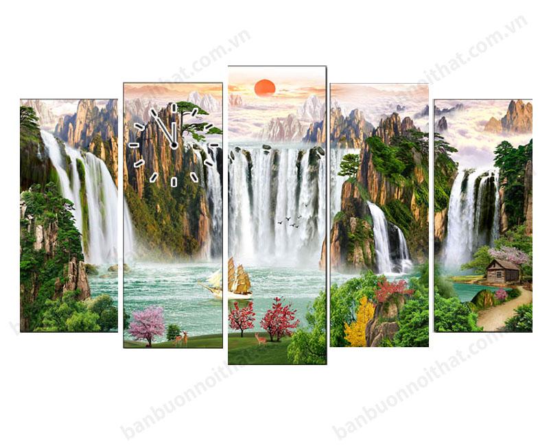 Tranh đồng hồ phong thủy thác nước hùng vĩ sơn thủy hữu tình rất hợp cho người tuổi tí