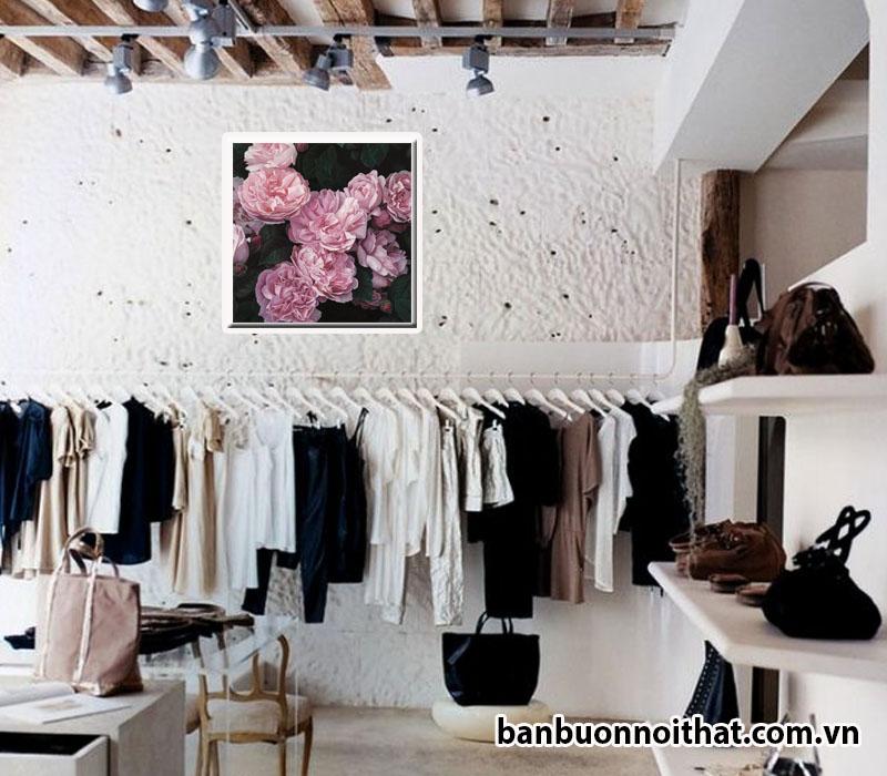 Tranh hoa hồng trang trí shop thời trang nữ nhẹ nhàng