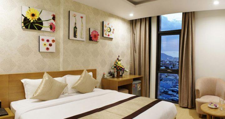 Những mẫu tranh trang trí khách sạn được yêu thích, giá tranh trang trí khách sạn
