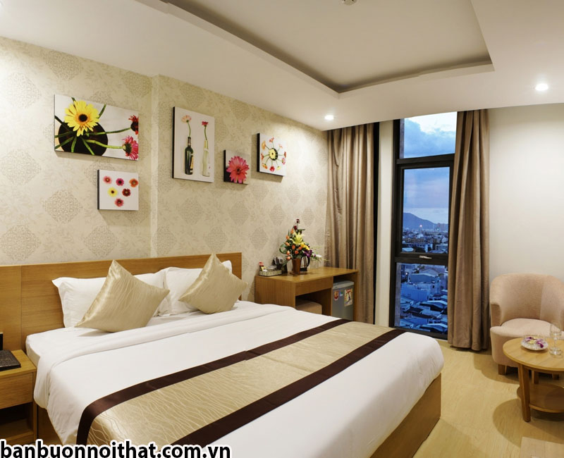 Tranh ghép nhiều tấm độc lập trang trí phòng khách sạn