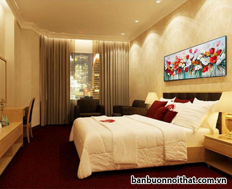Tranh canvas sắc hoa trang trí đầu giường ngủ khách sạn