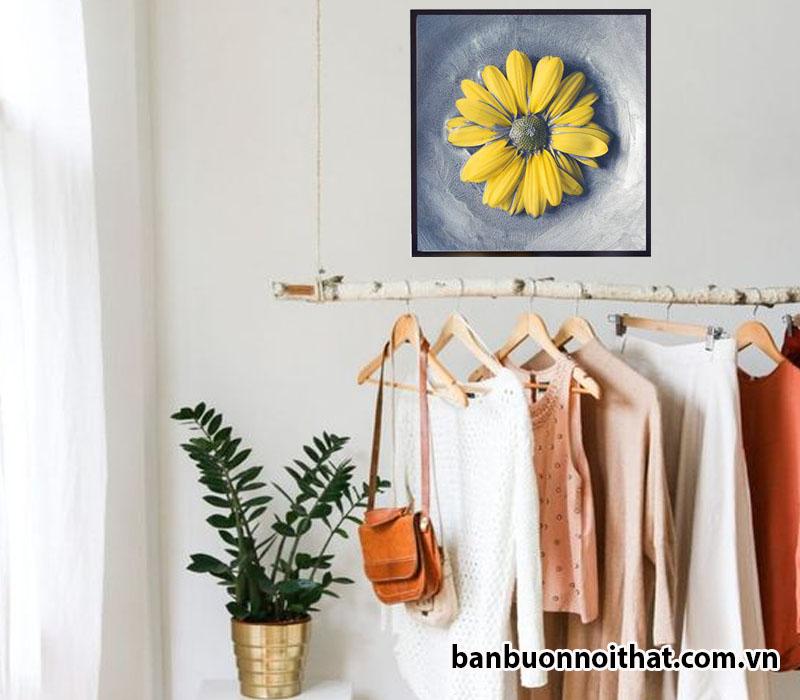 Tranh treo tường hiện đại in canvas hoa Cúc đặc biệt thích hợp với các shop thời trang nữ