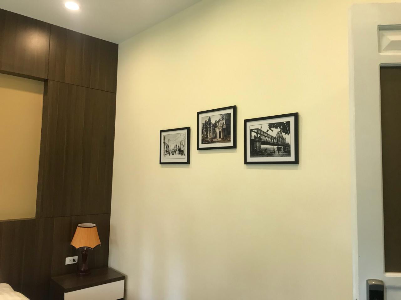 Khung tranh treo tường Hà Nội xưa trang trí phòng khách sạn