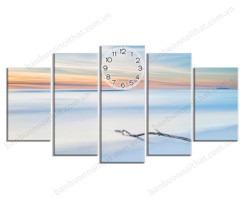 Tranh đồng hồ treo tường phong cảnh bờ biển mùa đông Châu Âu thuộc hàng cực đẹp