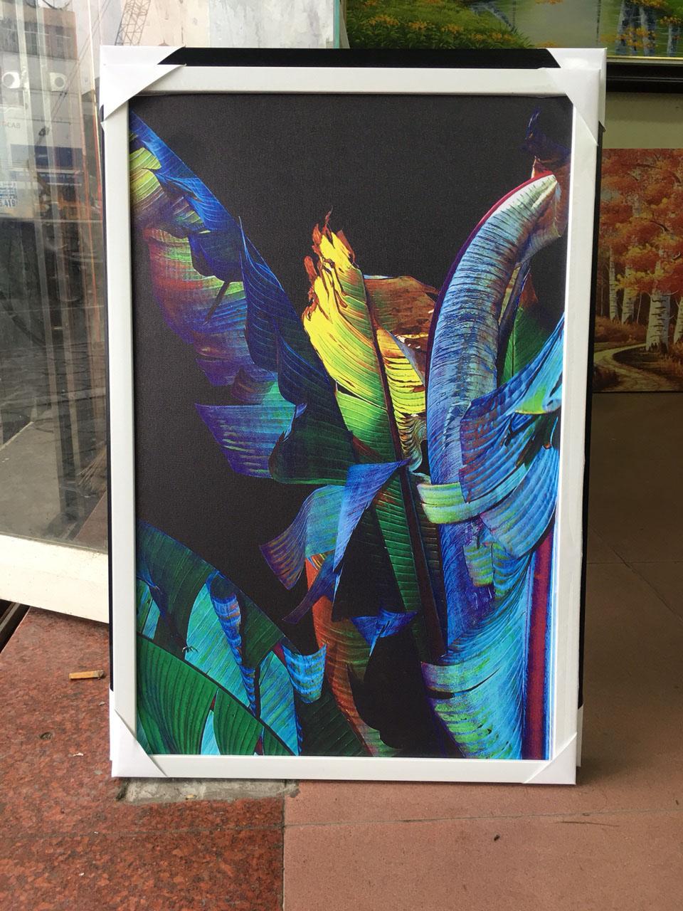 Hình ảnh tranh lá chuối chụp tại phòng tranh nội thất Amia Hà Nội