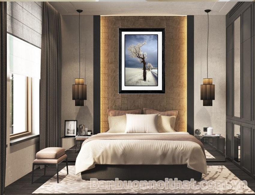 Màu sắc tranh nên chọn hài hòa với tổng thể nội thất để tạo không gian tinh tế, sang chảnh